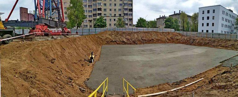 Закончена подготовка основания под монолитную плиту фундамента дома 1.1